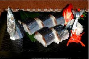 秋刀魚の姿寿司